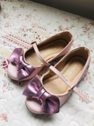 Sapato infantil em couro