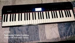Vendo piano digital semi novo