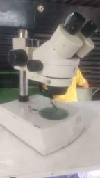 Microscópio para reparo em placa