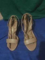 Vendo sandália salto alto
