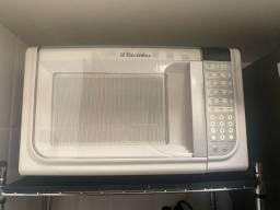 Microondas 31l electrolux branco