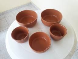 Jogo de cinco potes médios para farofa, molhos etc