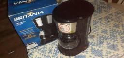 Vendo cafeteira nova na caixa nunca usada Valor 100 reais