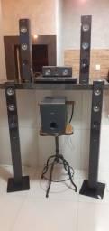 Home Theater Philips 5.1 Canais com Blu-ray Player 3D, Smart TV, Entrada USB e Cabo HDMI
