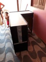 Balcão com gaveta para caixa