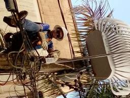 Elétricista profissional técnico em centrais de ar splint
