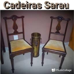 Lindo par de cadeiras de madeira antigas