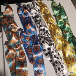 Laços e gravata pets