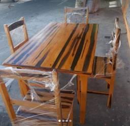 Mesas com cadeiras a partir de 330