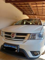 Fiat Freemont Precision 7 lugares - câmbio automático de 6 velocidades