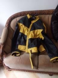 Jaqueta couro tamanho G usada