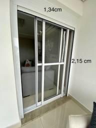 Título do anúncio: Porta balcão, com persiana / porta de alumínio pintado no branco
