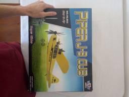 . Avião . Drone