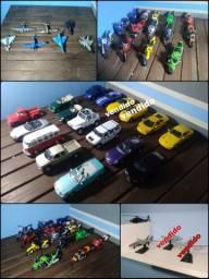 Título do anúncio: Coleção Barata de carros, motos e aviões
