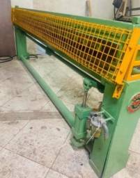 Guilhotina pneumática para lâminas de madeira