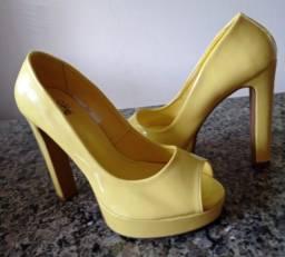 Título do anúncio: Sapato salto alto verniz,  marca Chá de Mel, n.36 semi novo