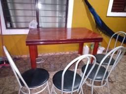 Mesa 139x83 4 cadeiras