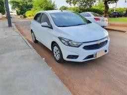 Título do anúncio: (Bruno M) Chevrolet Onix 1.4 Mpfi Lt 8v Flex 4p Manual 2017