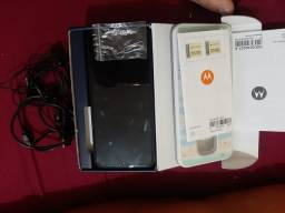 Título do anúncio: Vendo Motorola e 7 plus Semi novo