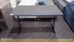 Mesa de escritorio sem gaveta