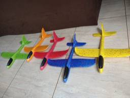 Título do anúncio: Aviões de isopor