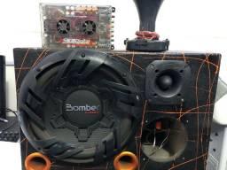 Caixa de som BOMBER TRIO C/MÓDULO SD 800