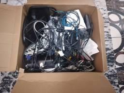 Vendo lote de peças e fios de internet e pc.