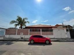 Título do anúncio: Linda Casa de Esquina no Nova Republica 3 Qts 2 Vagas c Poço Artesiano