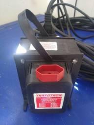 Vendo um transformador de 7.000v.a e um cabo de força de 20 metros