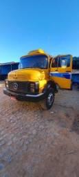 Caminhão Mercedes 1113 - Baú