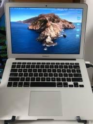 """MacBook Air 13"""" - Usado - 256GB - i5 - 4GB de memória"""