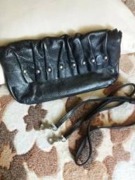 Bolsas em couro legítimo , bem conservadas