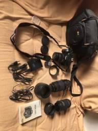 Câmera canon 550d e acessórios e 3 lentes