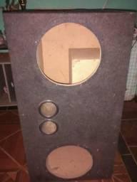 Vendo caixar de som e pirâmide aceito proposta na caixar eu pega um crossover é um toca CD