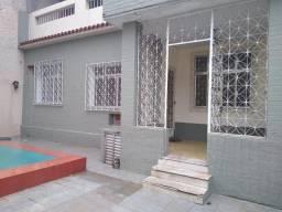 Casa fundos, térrea, 80m², 2 quartos, na Rua Silva Souza, 77 - Olaria - RJ