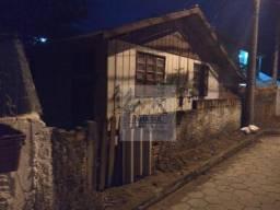 Terreno com casa para demolição ou reforma no Morro das Pedras