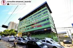 Prédio comercial no Bairro Adrianópolis São 6 andares