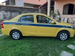 Toyota Etios Completo