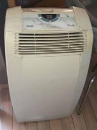 Ar condicionado portátil funcionando,botão liga não tá pegando é só ligar direto