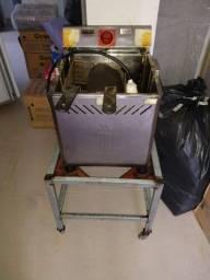 Conjunto de chapa, mesa, e fritadeira elétrica