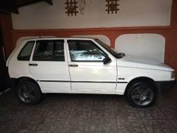 Vendo Fiat Uno 4 portas ano 95 e 96