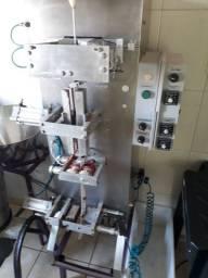 Maquina de sache ou stick