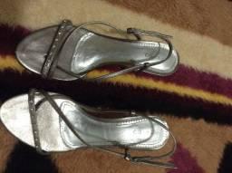 Sandalia Beira Rio cor prata envelhecida, tamanho 36