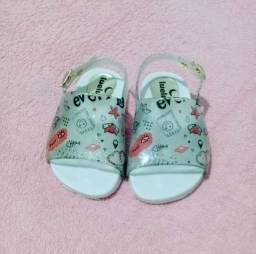 Lote de sandália infantil menina