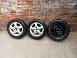 Vendo 2 rodas de Corsa e 1 de Ferro