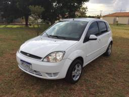 Ford Fiesta 1.6 hatch completo