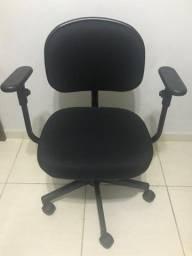 Título do anúncio: Cadeira escritório/estudo com braços