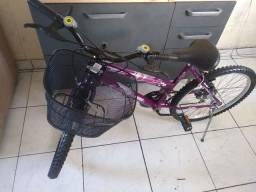 Bicicleta aro 24 de marcha novinha e impecável