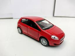 Miniatura Fiat Punto Vermelha