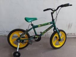 Bicicleta aro 16 com rodinhas - para criança dos 3 aos 5 anos